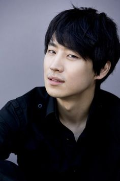 Lee Je Hoon (there must be a way to get my hair to behave...)