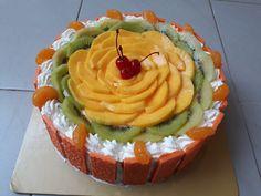 Fruit Steamed Cake (Mango, kiwi, Orange, Cherry)