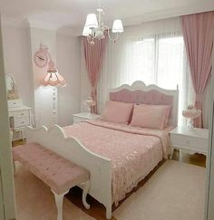 Rose Gold Bedroom Glamor Ideas That Will Mesmerize You is part of Girly bedroom - Choosing one particular color for your bedroom decor can be very confusing You will have to face tons of options with their own characteristic which may or may not suit Pink Bedroom Decor, Pink Bedrooms, Gold Bedroom, Master Bedroom, Bedroom Sets, Teen Bedroom, Ladies Bedroom, Bedroom Brown, Budget Bedroom
