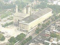 Antiga fábrica de cimento é demolida no subúrbio do Rio
