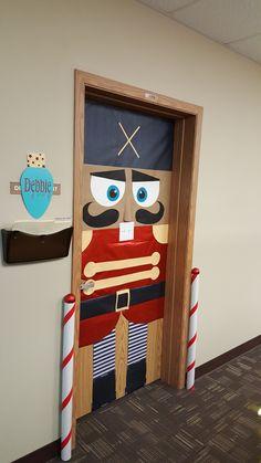 40 Adorable Christmas Door Decorating Ideas For School
