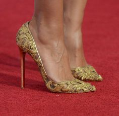 Klum Photos Photos: The American Music Awards - Arrivals Christian Louboutin on the red carpet, of course.Christian Louboutin on the red carpet, of course. High Heels Boots, Shoe Boots, Shoes Heels, Converse Shoes, Shoes Sneakers, Prom Shoes, Golf Shoes, Buy Shoes, Gold Heels