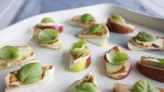 Cold Appetizers, Finger Food Appetizers, Halloumi, Quebec, Tapas, Healthy Snacks, Healthy Eating, Dinner Party Recipes, Party Finger Foods