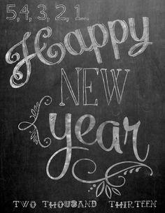New Years Printables - Sweet Cs Designs happy new year chalkboard printable Chalkboard Writing, Chalkboard Drawings, Chalkboard Lettering, Chalkboard Designs, Hand Lettering, Chalkboard Printable, Chalkboard Ideas, Chalkboard Quotes, Chalkboard Stencils