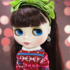 Snowflake charm earrings for Blythe & Pullip dolls