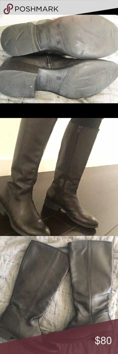 Barney's side zip black knee boots size 6 Black leather knee boots size 6. Medium wear but in great shape. No big scratches and leather is in good condition Barneys New York Shoes Winter & Rain Boots