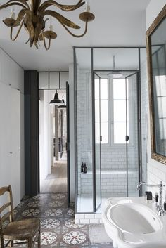 Love these shower doors Julien_Nitsa_Lombrail bathroom with walk-in shower, sure to inspire your next bathroom remodel or renovation, via House Design, House, Interior, Home, Shower Enclosure, Shower Doors, Bathrooms Remodel, Bathroom Design, Beautiful Bathrooms