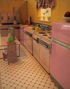 tin kitchen box by dandysourcandy, via Flickr