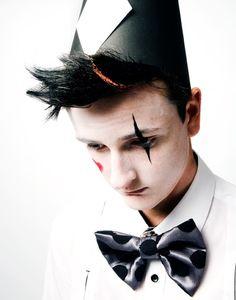 Makeup inspiration for woyzeck himself Circus Clown, Circus Theme, Dark Circus, Send In The Clowns, Clowning Around, Masked Man, Many Faces, Vintage Circus, Creative Makeup