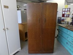 Wardrobe H-160cm W-85 D-45 ---------------- £65 (pc738)