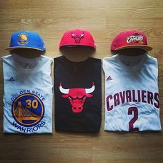 Casquette nba New era bulls cavs warriors et t shirt disponibles sur http://ift.tt/1ADfMju  @sportland_american #sportlandamerican #cavs #warriors #bulls #curry #Irving #stephencurry #curry30 #hat #cap #casquette #Tshirt #nba #basketball