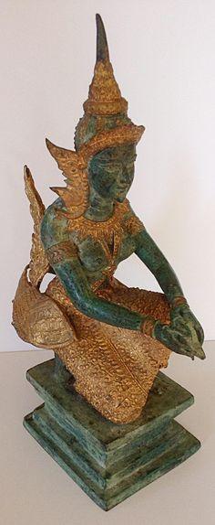 Kinnari figure