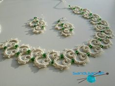 Needle tatted jewellery set: necklace and earrings. Ecru colour. Handmade in none smoking and pets free studio. Necklace is easy to adjust - pull