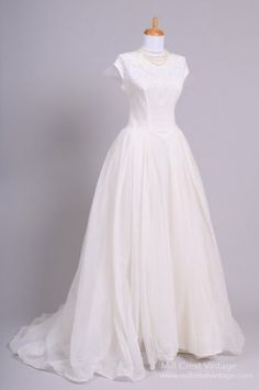 1950's Chiffon and Lace Vintage Wedding Gown