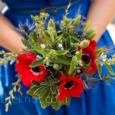 Red and blue is not only for the 4th of July. These colors are a good option for a summer wedding and even a nautical, beach wedding.