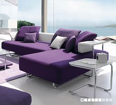 Purple decor? Yes please <3 ooh, la, la!!!
