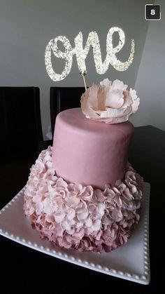 Cakes!!! For little girls birthday!!🎊🎊🎉 #1yearold #yummycake