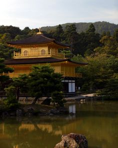 Waters of Gold   The Kinkaku-ji temple reflected in its pond…   Flickr