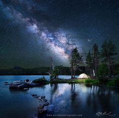 voie-lactee-etoilee-lac-arbore-tente-camping