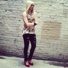 Rydel Lynch!!! I love her soo much. She plays keys in a band and her style is awesome!!! #fashion #icon #rocker
