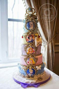 Princess Birthday Cakes: Ideas for Your Party - Novelty Birthday Cakes Disney Desserts, Disney Cakes, Disney Princess Birthday Cakes, Princess Party, Bolo Fack, Barbie Cake, Character Cakes, Themed Cakes, Cake Art