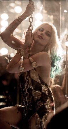 Find images and videos about joker, harley quinn and suicide squad on We Heart It - the app to get lost in what you love. Arlequina Margot Robbie, Margot Robbie Harley Quinn, Margo Robbie, Der Joker, Joker Und Harley Quinn, Arley Queen, Harey Quinn, Univers Dc, Halloween Kostüm