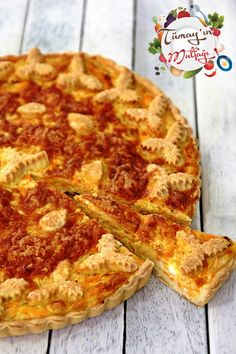 Pumpkin and cheese quiche Cheese Quiche, Pizza, Recipe Sites, Turkish Recipes, Bread Baking, Tart, Good Food, Food And Drink, Soda