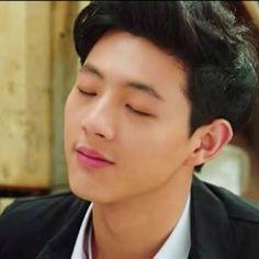 Kim Ji Soo : Actor : 30.3.1993 : 186cm