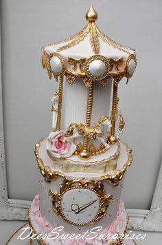 Beautiful Cakes, Amazing Cakes, Metallic Cake, Carousel Cake, Crown Cake, Cake Name, Biscuit, First Birthday Cakes, Cupcake Cakes
