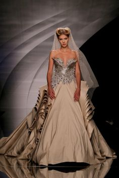 Abed Mahfouz Fall - Winter 2010 2011 haute Couture