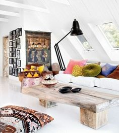 Check Out 41 Impressive Bohemian Living Room Designs. Creating a boho chic living room means creating an absolutely different and your personalized atmosphere. Bohemian Chic Home, Bohemian Living Rooms, Chic Living Room, Living Spaces, Modern Bohemian, Styl Boho, Bohemian Room, Bohemian Interior, Modern Rustic