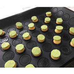 Dress up your profiteroles with pistachio craquelin! We love them!