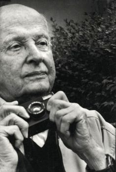Henri Cartier-Bresson at an exhibition Leica by George Févre, ca 1980