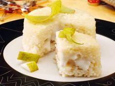 Delicato incontro di frutta e formaggio per questi delicati sformatini di riso al taleggio e pere.