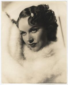 Fay Wray Old Hollywood, Hollywood Actresses, Classic Hollywood, King Kong 1933, Fay Wray, Pre Code, Wax Museum, Picture Comments, Back Photos