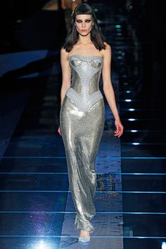 Versace Fall 2012 RTW - Review - Fashion Week - Runway, Fashion Shows and Collections - Vogue