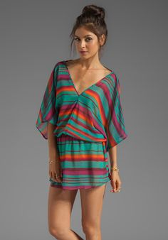Sofia by VIX SWIMWEAR Lima Kaftan in Digital Stripe - Short Sleeve. Size: M  $92.00