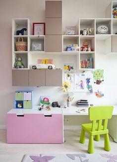 Idée: étagères murales enfant cubes VALJE IKEA = rangements supplémentaires
