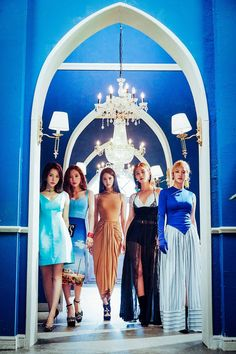 GG is a five member Girls' Generation (SNSD) subunit that started in The members include Sunny, Taeyeon, Yoona, Yuri and Hyoyeon. Their debut song is Lil Touch Girls Generation Sunny, Girl's Generation, Girls' Generation Taeyeon, Seulgi, Kpop Girl Groups, Korean Girl Groups, Kpop Girls, Sooyoung, Yoona Snsd