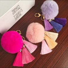 Quality REAL Rabbit Fur Ball Plush Fur Key Chain POM POM Keychain Tassel Pompom Car Bag Keychain Key Ring Pendant Jewelry with free worldwide shipping on AliExpress Mobile Tassel Jewelry, Pendant Jewelry, Jewelry Sets, Diy Jewelry, Tassel Keychain, Diy Keychain, Tiffany Green, Pom Pom Crafts, Yarn Ball