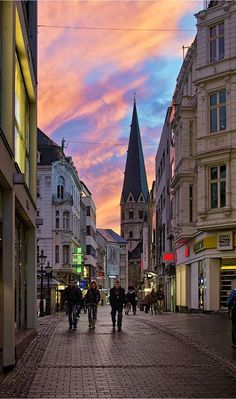 Streets of Bonn, North Rhine-Westphalia, Germany | by Manfred Rosenkranz