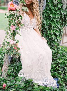 Lace wedding dress: Photography: Schon - http://www.schonphoto.com/