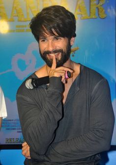 Shahid Kapoor at the launch of Neend Na Mujhko Aaye from Shaandaar