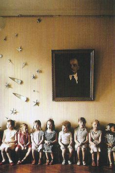 Love the comet and stars on the wall. (Moscow School by Burt Glinn)