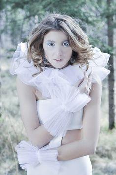 Girls Dresses, Flower Girl Dresses, Wedding Dresses, Photography, Fashion, Bride Gowns, Wedding Gowns, Moda, La Mode