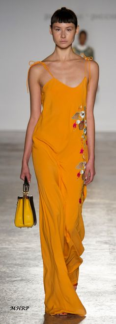 Picione-Picione Fall 2018_pinned from vogue.com/fashion-show