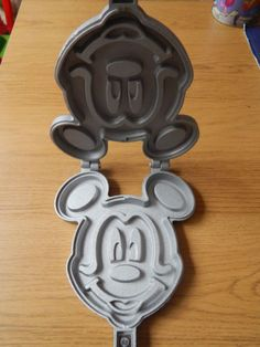 Disney-mickey-mouse-waffle-iron-Pancake-maker-NEW-IN-BOX