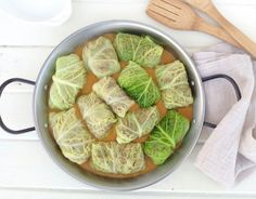 rollitos de col Raw Food Recipes, Vegetarian Recipes, Cooking Recipes, Healthy Recipes, Latin American Food, Whats For Lunch, Light Recipes, Relleno, Cabbage