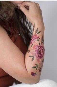 Elegant tattoos for inspiration Uncover incredible tattoos right here # . - Elegant tattoos for inspiration Uncover incredible tattoos right here # … - Elegant Tattoos, Pretty Tattoos, Beautiful Tattoos, Realistic Flower Tattoo, Tattoos Realistic, Colorful Flower Tattoo, Body Art Tattoos, Hand Tattoos, Sleeve Tattoos
