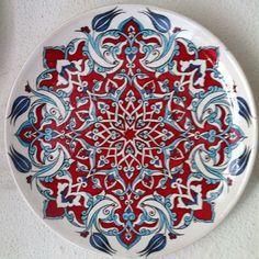 9 Turkish Tiles, Turkish Art, Blue And White China, Tile Art, Ceramic Bowls, Islamic Art, Pattern Art, Handicraft, Stencils